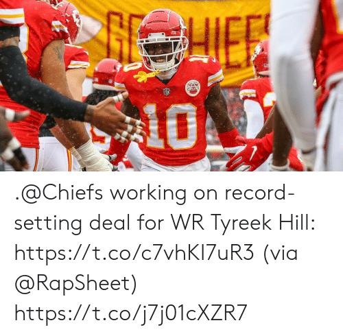 Memes, Chiefs, and Record: .@Chiefs working on record-setting deal for WR Tyreek Hill: https://t.co/c7vhKI7uR3 (via @RapSheet) https://t.co/j7j01cXZR7