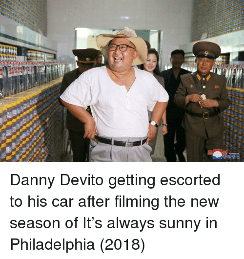 Always Sunny: Danny Devito getting escorted to his car after filming the new season of It's always sunny in Philadelphia (2018)