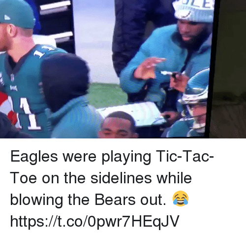 Philadelphia Eagles, Football, and Nfl: Eagles were playing Tic-Tac-Toe on the sidelines while blowing the Bears out. 😂  https://t.co/0pwr7HEqJV