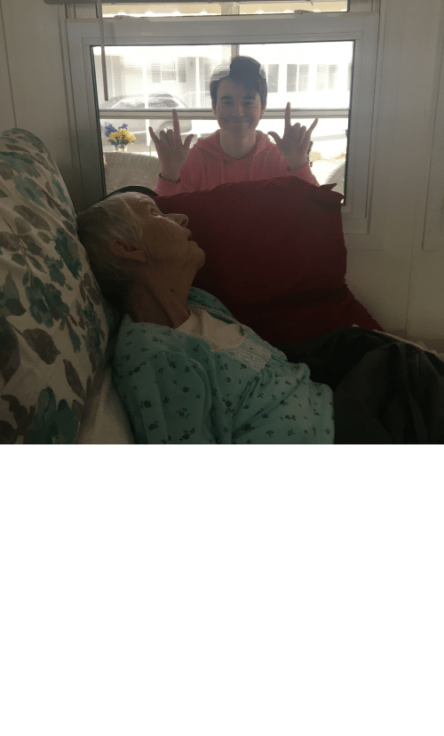 als: My grandmother died last night from ALS. This was the last moment I had with her. I wasn't able to see her for months due to recent events. Please stay indoors guys.