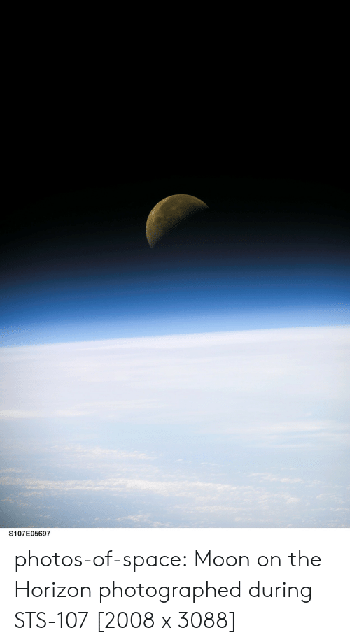 horizon: S107E05697 photos-of-space:  Moon on the Horizon photographed during STS-107 [2008 x 3088]