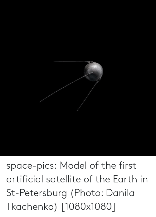 satellite: space-pics:  Model of the first artificial satellite of the Earth in St-Petersburg (Photo: Danila Tkachenko) [1080x1080]