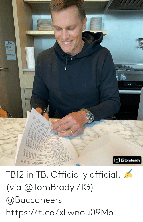 tombrady: TB12 in TB.   Officially official. ✍ (via @TomBrady / IG) @Buccaneers https://t.co/xLwnou09Mo